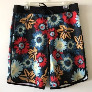 Mossing Patterned Board Shorts, 34